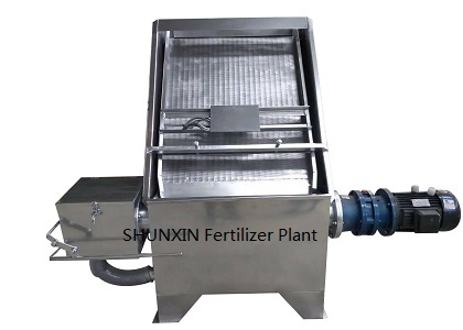 Dehydrator For Reducing Raw Material Water Content
