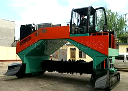 Windrow Compost Turner for Horse Manure Disposal